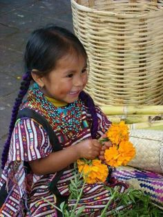 ▁▂▃ Mexican girl with the flowers for Days of the Dead celebrated on Nov 01 & Nov 02