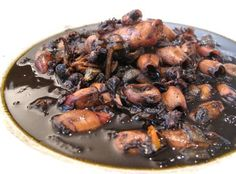 Adobong pusit: my yaya makes SUCH a yummy version of this!