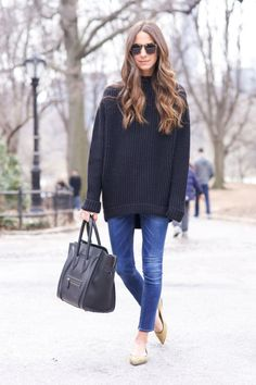 Something Navy looked so casual and chic in an oversized black sweater, jeans, and flats paired with a Céline bag.