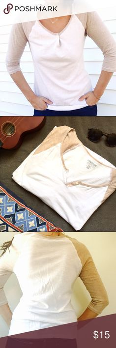 """Basic ⚾️ White + Tan Baseball Tee """"vintage"""" line Basic white tee- I used to wear this all the time! Looks great with jeans  Old Navy Tops Tees - Long Sleeve"""
