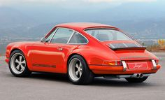 Singer Porsche. Classic looks with modern touches. And a modern price. ;-)