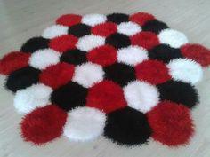 1 Diy Room Decor, Bedroom Decor, Pom Pom Rug, Felt Owls, Pom Pom Crafts, Area Rugs, Projects To Try, Fun, Handmade Rugs