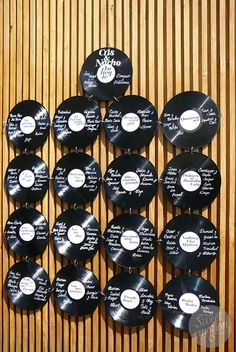 Sweet emotion: La boda de Cris y Nacho Seating plan discos Vinilos musica music sitting planning