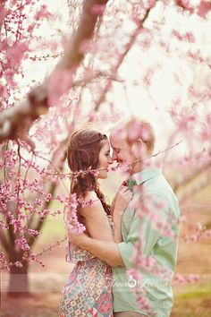 Love birds, if you decided to get engaged in spring, you'll love our roundup! We've picked our favorite ideas of spring engagement photos, full of love. Couple In Love, Photo Couple, Couple Shoot, Beautiful Couple, Couple Photography, Engagement Photography, Photography Poses, Wedding Photography, Engagement Couple