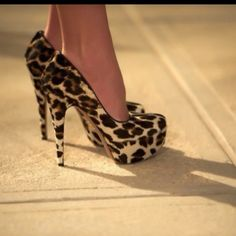 Shoes shoes shoes!!! Omg I want! I gotta have a sexy and sassy pair of leopard print pumps!