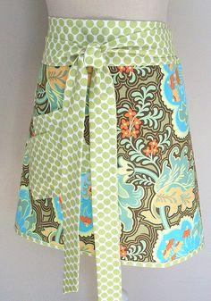 I want to make myself an apron.  Gothic Rose half apron