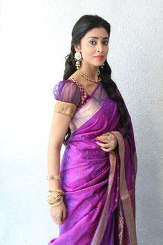 bollywoodishtyle:    Shriya Saran at an event for her upcoming film Chandra
