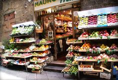 Fake Food: Removing Food Toxins - Keeper of the Home Mercado Madrid, Fresh Grocer, Fruit Shop, Fake Food, Meals For Two, Kiosk, Store Design, Grocery Store, Healthy Dinner Recipes