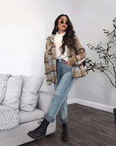 Casual College Outfits, Uni Outfits, Trendy Fall Outfits, Casual Winter Outfits, Winter Fashion Outfits, Mode Outfits, Everyday Outfits, Outfits With Jeans, Fashionable Outfits
