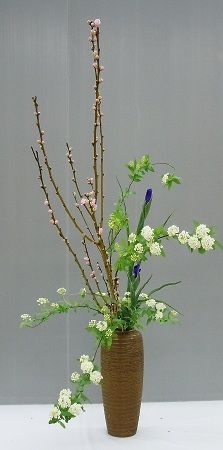 Beautiful Ikebana - I like the different flower colors.