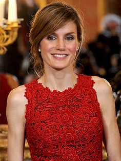 Google Image Result for http://www.helloonline.com/imagenes/profiles/crown-princess-letizia-of-spain/5712-letizia.jpg