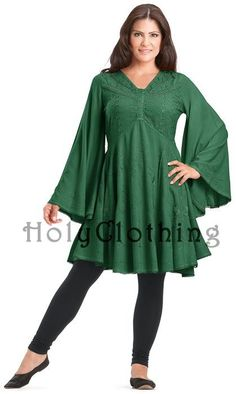 Really, I was born in the wrong century. I love all of her designs, which seem to be designed on Renaissance fashions, but are still suitable for wearing in this era. I also like that they are not only available in plus sizes, but also flatter the plus sized figure.