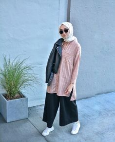 Hijab Casual, Hijab Chic, Hijab Outfit, Casual Outfits, Islamic Fashion, Muslim Fashion, Modest Fashion, Fashion Outfits, Street Hijab Fashion