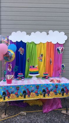 Britts trolls birthday party