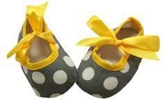 Crib Shoes-Wholesale Princess, Where Adorable Meets Affordable! Little Girl Shoes, Little Girl Fashion, Girls Shoes, Little Girls, Crib Shoes, Baby Shoes, Kids Schedule, Shoes Wholesale, Polka Dot Print
