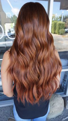 fall color NBR hair extensions by Amber Patterson Long Auburn Hair, Hair Color Auburn, Fall Auburn Hair, Natural Auburn Hair, Amber Hair Colors, Hair Dye Colors, Medium Brunette Hair, Long Brunette, Medium Hair