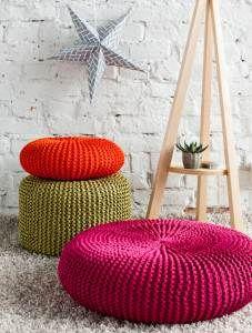 Kotiliesi - Neulo päällinen rahille, tyynylle ja jakkaralle