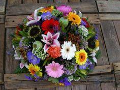 http://myshop-s3.r.worldssl.net/shop1508100.pictures.Rouwstuk Vriendschap bloemen begrafenis bestellen bloemen begrafenis bezorgen RA65.JPG