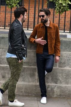 London Collections Men S/S street style Smart Casual Menswear, Modern Mens Fashion, Casual Wear For Men, Business Casual Outfits, Well Dressed Men, Mens Clothing Styles, Fashion News, Men's Fashion, Street Style