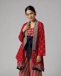 Kebaya Hijab, Batik Kebaya, Kebaya Dress, Batik Fashion, Ethnic Fashion, Asian Fashion, Blouse Batik, Batik Dress, Outer Batik