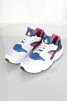 shoes hillside mall