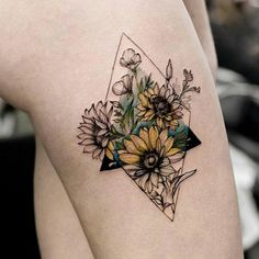 You can make your own tattoo design that can cause you to stand out. Big or little, colored or not, you may almost never fail with a sunflower tattoo. If you need a temporary flower tattoo, a henna would be a great choice. Sunflower Tattoo Sleeve, Sunflower Tattoo Shoulder, Sunflower Tattoo Small, Sunflower Tattoos, Sunflower Tattoo Design, Foot Tattoos, Finger Tattoos, Body Art Tattoos, Small Tattoos