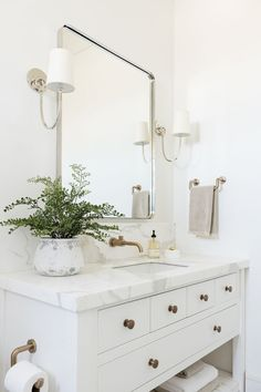 Best Screen white Bathroom Vanity Popular Choosing the right bathroom vanity to your area might be near on impossible with all the alternative Guest Bathrooms, Modern Bathroom, Small Bathroom, Bathroom Ideas, Luxury Bathrooms, Minimalist Bathroom, Dream Bathrooms, White Bathroom Decor, White Vanity Bathroom