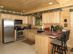 Pigeon Forge, TN: Welcome to the Ultimate X-Scape cabin ideally located in Pigeon Forge. Best of both worlds mountain relaxation and just minutes away from the action, ...