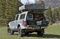 2001 Toyota Tacoma :: Expedition Overland Vehicle Builds - Great organized setup in the truck bed. Complete with a fridge! Toyota Camper, Toyota Trucks, Truck Bed Camping, Diy Camping, Camping Needs, Expedition Vehicle, Car Storage, Jeep 4x4, Fj Cruiser