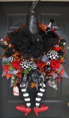 Witch's hat front door wreath. How clever