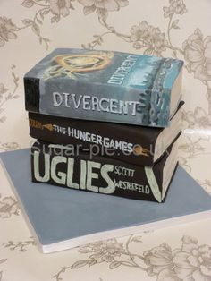 Hand painted book cakes  Cake by sugarpie And what a great selection of books!