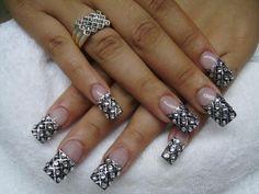 NEGRO CON CINTILLAS Y SWAROVSKYS :D - nails_adomicilio - Fotolog