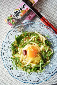 金魚の肴2015イチオシ夏麺その9 3分でランチ! しそ梅冷やしうどん - スパイス大使×豊菜JIKAN -  レシピブログ