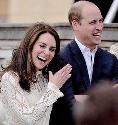 Кейт Миддлтон стремительно стареет в браке https://dni24.com/exclusive/129968-keyt-middlton-stremitelno-stareet-v-brake.html  Известный блогер Лена Миро заметила, что Кейт Миддлтон довольно стремительно стареет. По ее мнению, виной тому супруг герцогини Кембриджской принц Уильям, и его холодность.