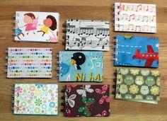 Super Mini Cuadernos, en tela y en papel....tamaño A8...idelaes para llevar en el bolso...