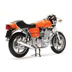 Laverda Jota - (www. Classic Motors, Classic Bikes, Classic Motorcycle, Cool Motorcycles, Vintage Motorcycles, Mv Agusta, Ex Machina, Classic Italian, Road Bikes