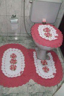 Sandra Roque Artesanatos: Jogo de banheiro com flores em branco e melancia.....