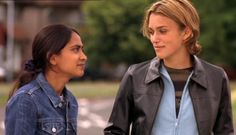 Keira Knightley in Bend It Like Beckham - Picture 49 of 53