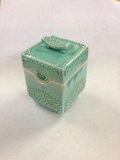 AshenWren Ceramics - Slip Trailed Box