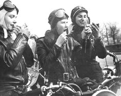 Vintage Motorcycles The Girls on their Motorcycles: Vintage photos of kickass women and their rides Leather Motorcycle Helmet, Motorcycle Helmets, Motorcycle Girls, Steampunk Motorcycle, Harley Davidson, Lady Biker, Biker Girl, Cafe Racer Girl, Vintage Biker