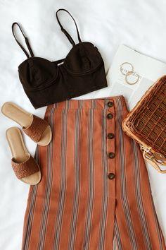 In Stride Rust Orange Striped Button-Front Pencil Skirt In Schritt Rost Orange gestreiften Knopfleiste Bleistiftrock This image has get Spring Summer Fashion, Spring Outfits, Trendy Outfits, Cute Outfits, Fashion Outfits, Skirt Fashion, Skirt Outfits, Dress Skirt, Skirt Ootd