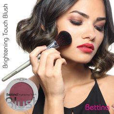 "Más de 10 colores de rubor están disponibles para tí.Busca tu #Bettina ""Brightening Touch #Blush"" en tus tonos favoritos! #makeup Makeup Foundation, Blush, Lipstick, Face, Beauty, Blush Color, Glow, Colors, Foundation"