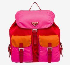 Ярко и удобно: нейлоновые сумки и рюкзаки Prada   Мода   VOGUE