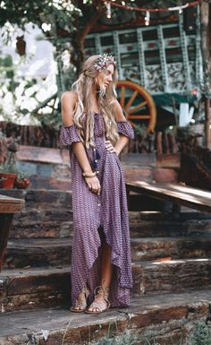 Some of the most popular boho outfit! I enjoy the flow and conceptual of the hippies vibe! Boho Outfits, Hipster Outfits, Fashion Outfits, Dress Fashion, Outfits Jeans, Converse Outfits, Fashion Sandals, Fashion 2018, Girl Outfits
