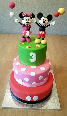 Mickey minnie mouse cake