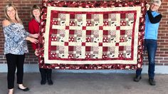 'Great fun:' homemade quilt for Guelph hospital's first Canada Day baby - Kitchener-Waterloo - CBC News Quilt Block Patterns, Pattern Blocks, Quilt Blocks, Canadian Quilts, Canada Maple Leaf, Homemade Quilts, Quilt Of Valor, Block Of The Month, Canada Day