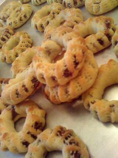Ka3k be 3ajweh-Palestinian sweet with dates