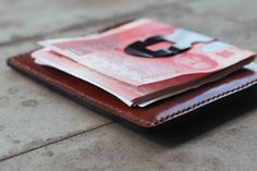 Minimalist card wallet with clip and 1 bill by UdolLeather on Etsy