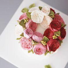 생신 플라워케이크입니다 #flowercake #buttercream #wiltoncake #buttercreamcake #wilton…
