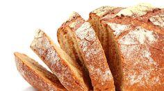 Už ho viac nekupujte: Chrumkavý chlebík z 5 surovín si upečiete za 30 minút